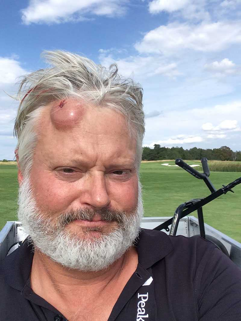 Joakim Bodén strax efter golfbollen träffat. Foto: PRIVAT