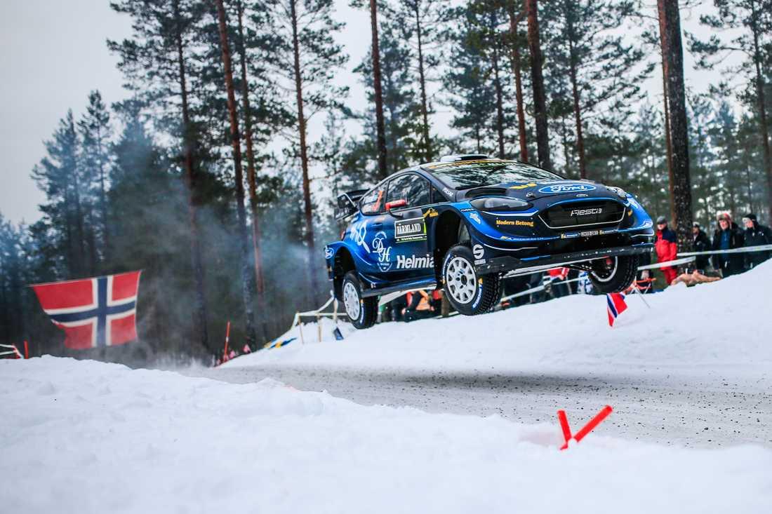 Pontus Tidemand lyfter i Rally Sweden