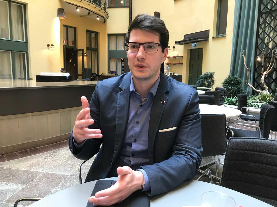 Balázs Bábel, 33, från ungerska metallfacket är på Sverigebesök