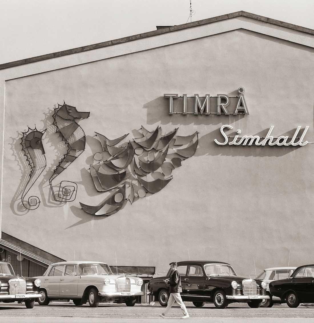 Upsala-Ekeby bidrog även till den offentliga konsten, här i Timrå.