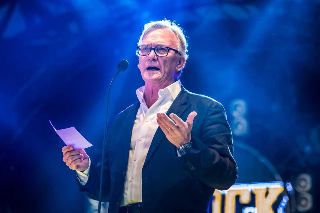 "Aviciis pappa, Klas Bergling, tog emot sonens pris Årets svenska låt:""Without you""."