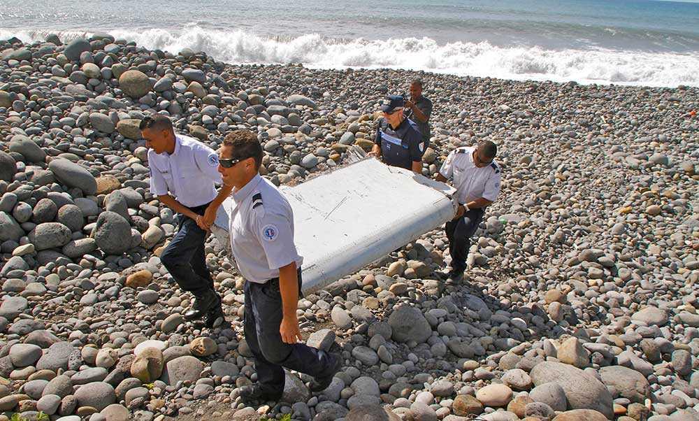 30 juli hittades delar av vad som senare visade sig vara MH370 på ön Reunion.
