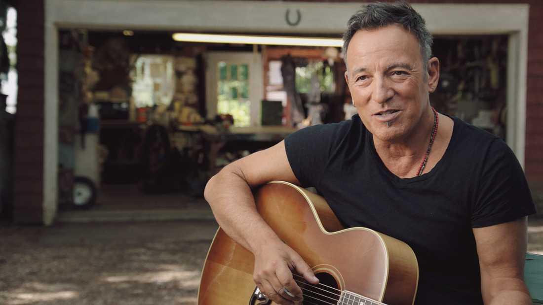 Bruce Springsteen ställer in konsert i protest.