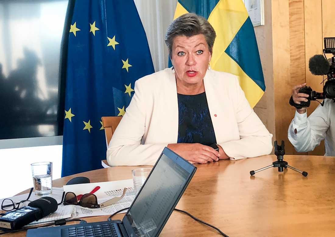 Tillträdande inrikeskommissionären Ylva Johansson håller pressträff i Bryssel. Arkivfoto.