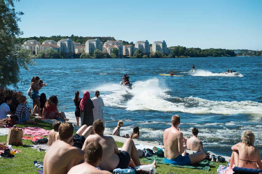 Vattenskoterförare vid Hornsbergs strand i Stockholm.
