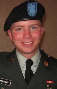 Misstänkt Soldaten Bradley Manning står åtalad för att ha läckt den uppmärksammade filmen som visar hur amerikanska soldater skjuter mot civila i Irak. Nu riktas nya misstankar mot honom, efter publiceringen av 91 000 hemliga dokument.