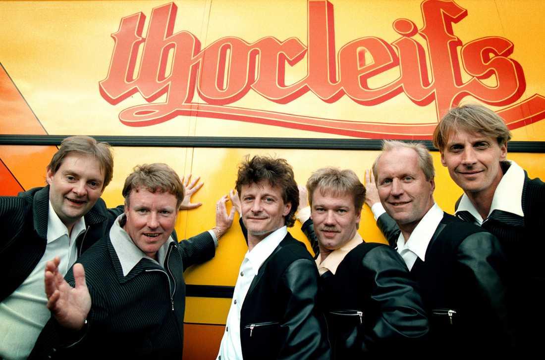 1998 Thorleifs anno 1998 med samtliga medlemmar. Från vänster till höger: Kim Lindahl, Thorleif Thorstensson, Jörgen Löfstedt, Johan Ringquist, Hans Magnusson, Magnus Bergdahl.
