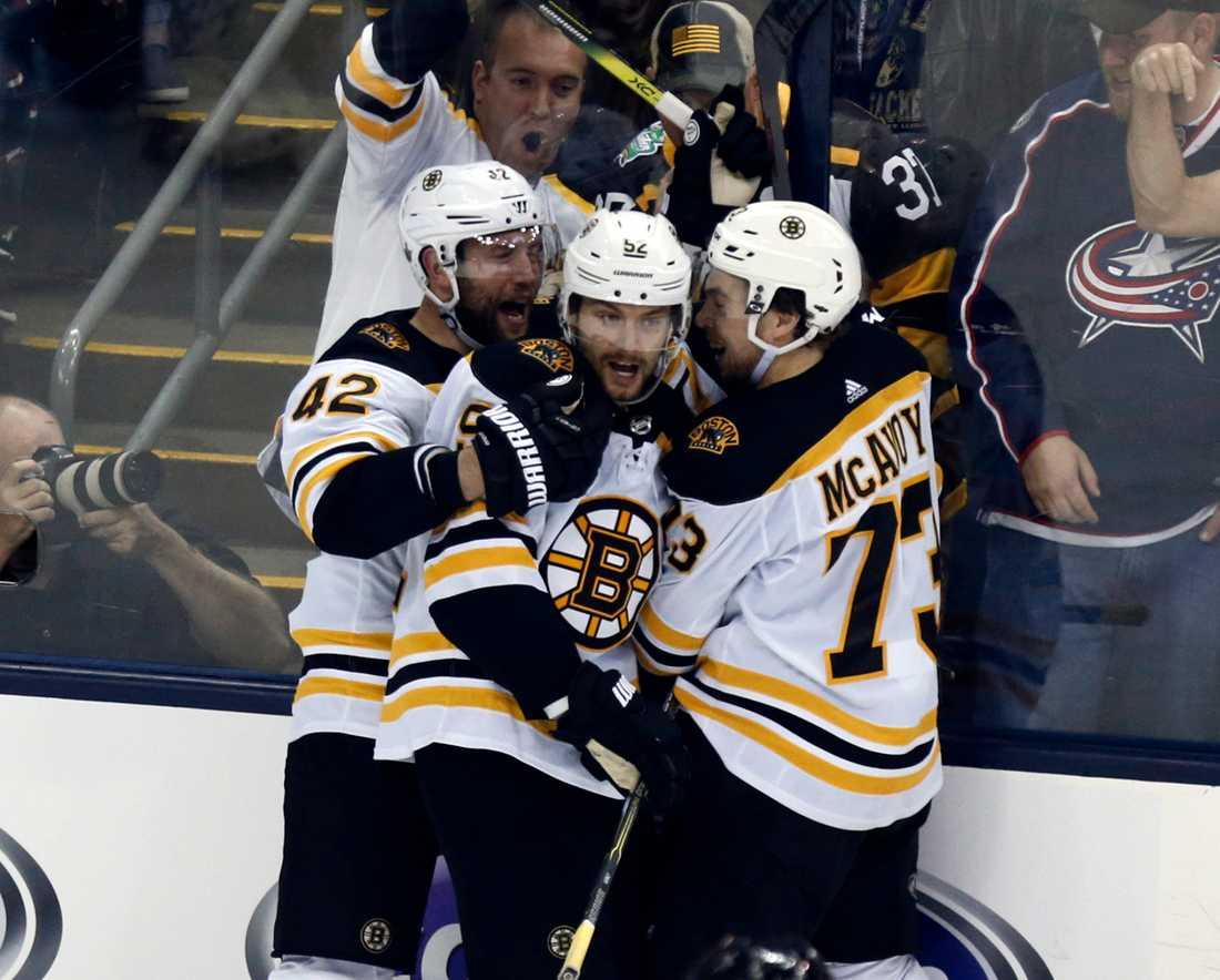 Boston Bruins har utjämnat matchserien mot Columbus till 2–2