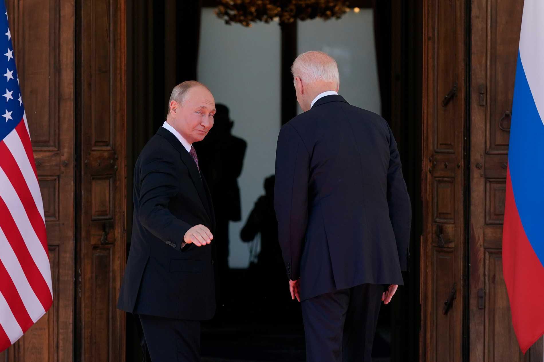 Putin och Biden vid mötet i Genève.