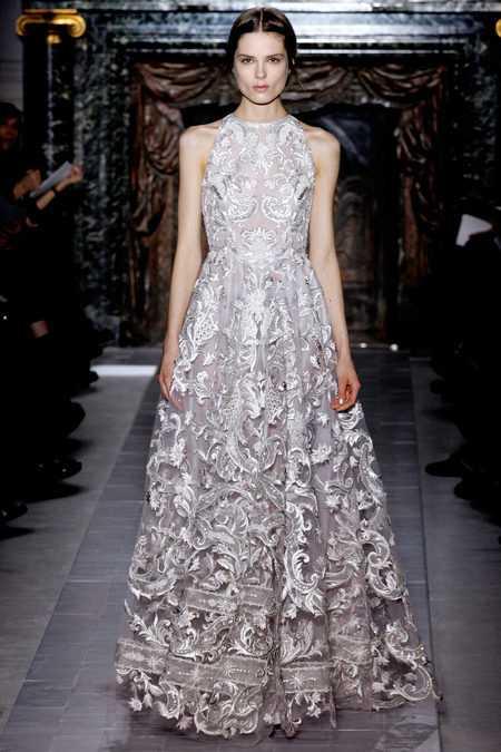 Spets och detaljer på Valentinos haute couture.