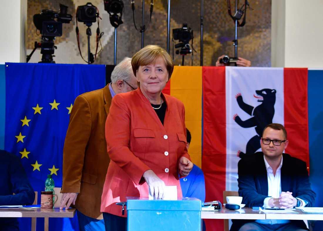 Angela Merkel röstar