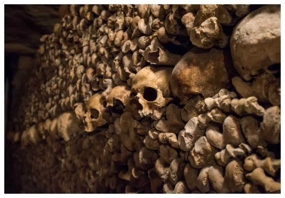 Katakomberna under Paris kan skrämma de flesta.
