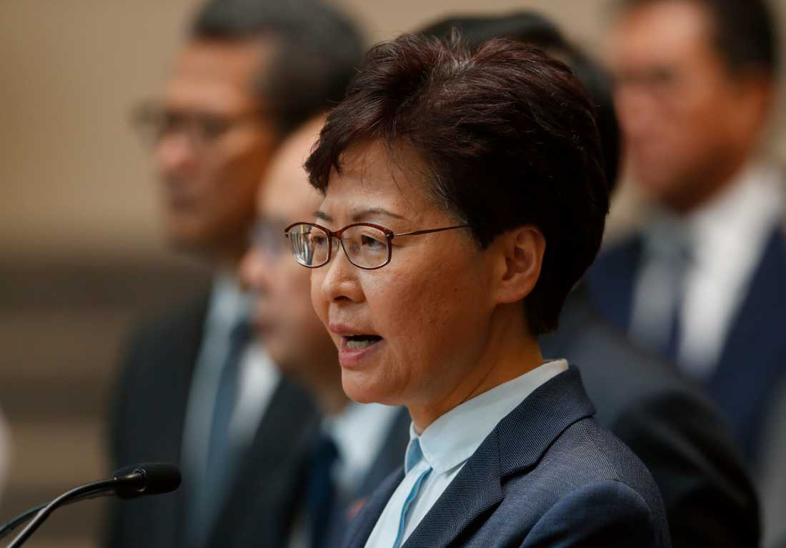 Hongkongs högsta politiker, den Pekingvänlige Carrie Lam, har haft några utmanande månader på jobbet. Först fick Lam dra tillbaka lagförslaget om nya utlämningsregler, därefter har hon fått hantera efterdyningar av sammandrabbningarna mellan polis och civila i det som blivit Hongkongs värsta politiska kris sedan överlämnandet.