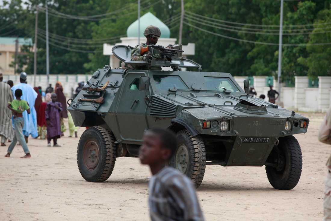 Nigerias regering strider tillsammans med regeringsvänliga miliser mot terrorgruppen Boko Haram. Arkivbild.