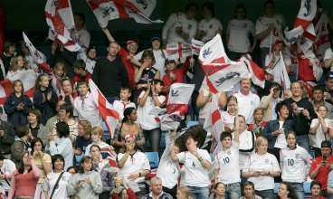 Nästan 30000 såg i går matchen mellan England och Finland. Fler än någonsin.