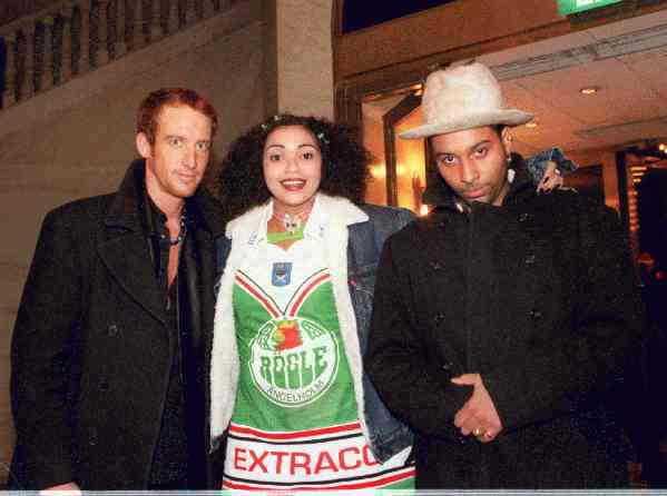 """1995 var den hockeyfrälsta Camilla Henemark tillsammans med Johan """"Stakka Bo"""" Renck. De syntes frekvent ute i vimlet och umgicks med bland andra Papa Dee."""