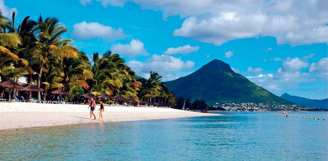 Flic en Flac är en av de finaste stränderna på Mauritius. Som grädde på moset kan man även njuta av riktigt härliga solnedgångar här.