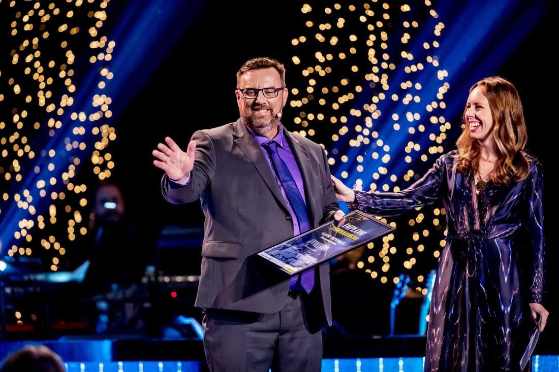 Lasse Wennman tillsammans med förgalans programledare Helena Trus.