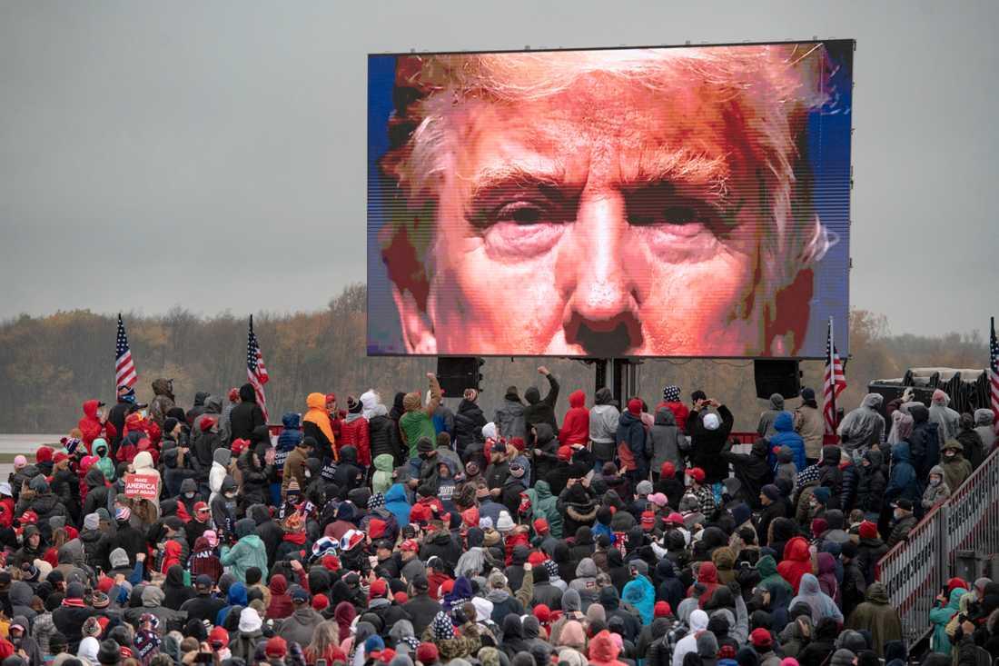 Donald Trumps kampanjwebb hackades under tisdagen.