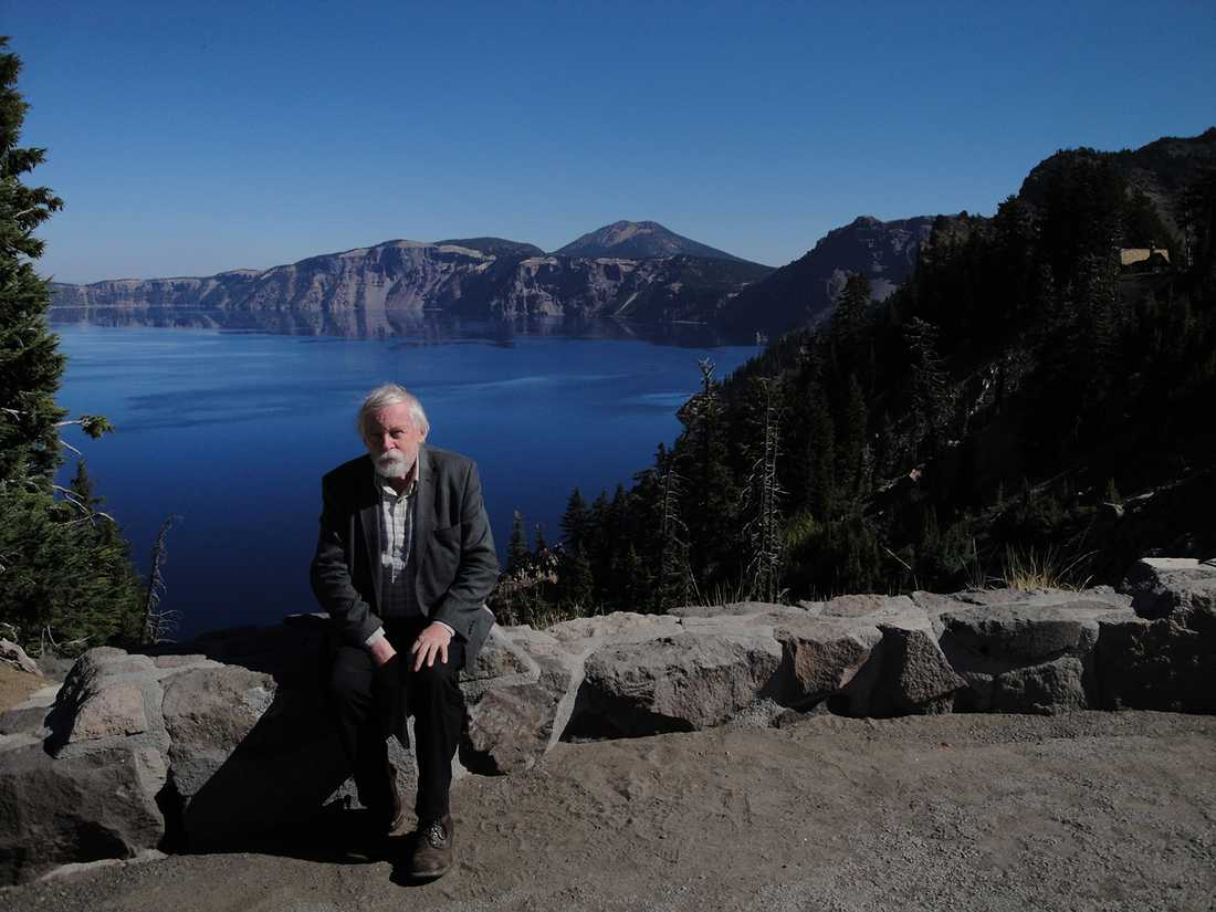 Utsikten vid Crater Lake i Oregon