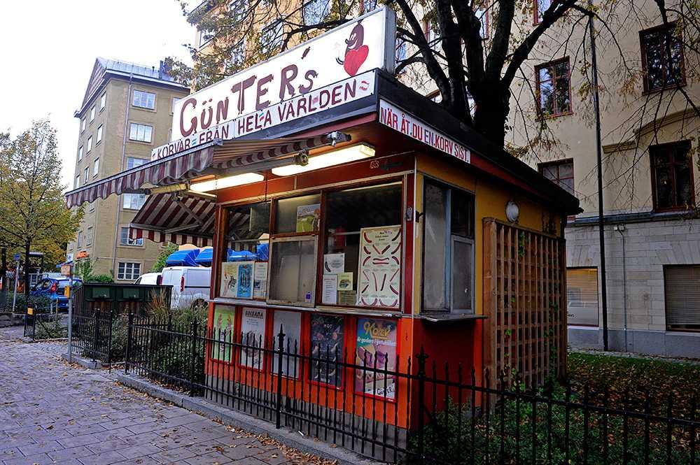 Kioskägaren Güclü Türkes säger till Aftonbladet att han är redo att byta namn på korven.
