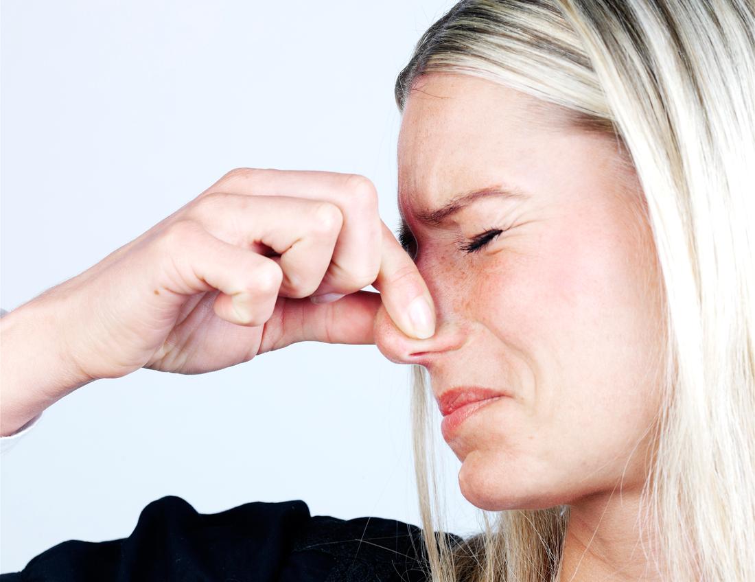 35 procent av kvinnorna tycker att dålig andedräkt är det mest avtändande hos en man.