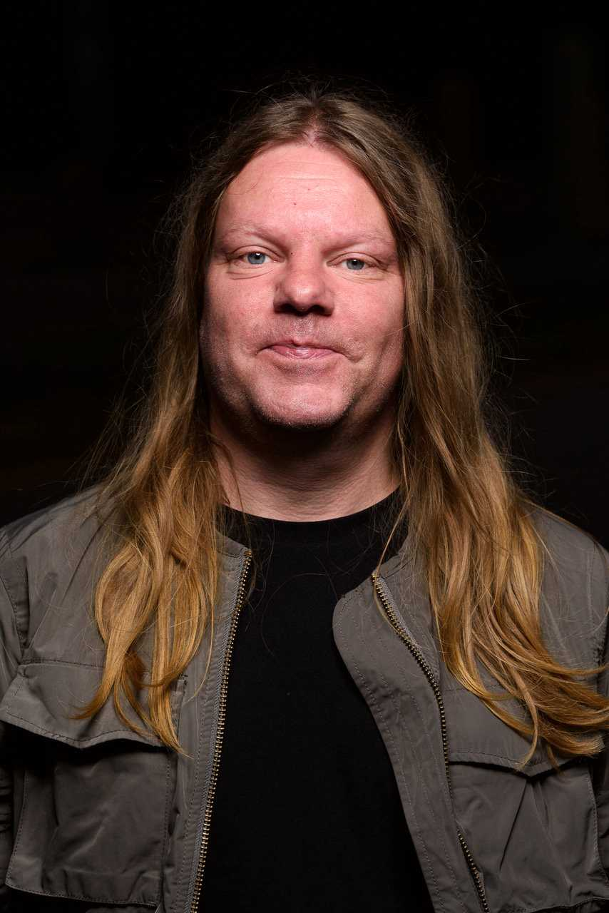 Thommy Larsson har avlidit efter en kort tids sjukdom. Pressbild.