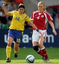 BESVIKEN Hanna Ljungberg gjorde Sveriges mål i 1–1-matchen mot Danmark, men hade svårt att vara glad efteråt.