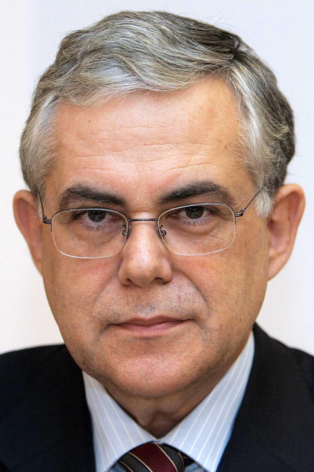 Lucas Papademos blir Greklands nya premiärminister.