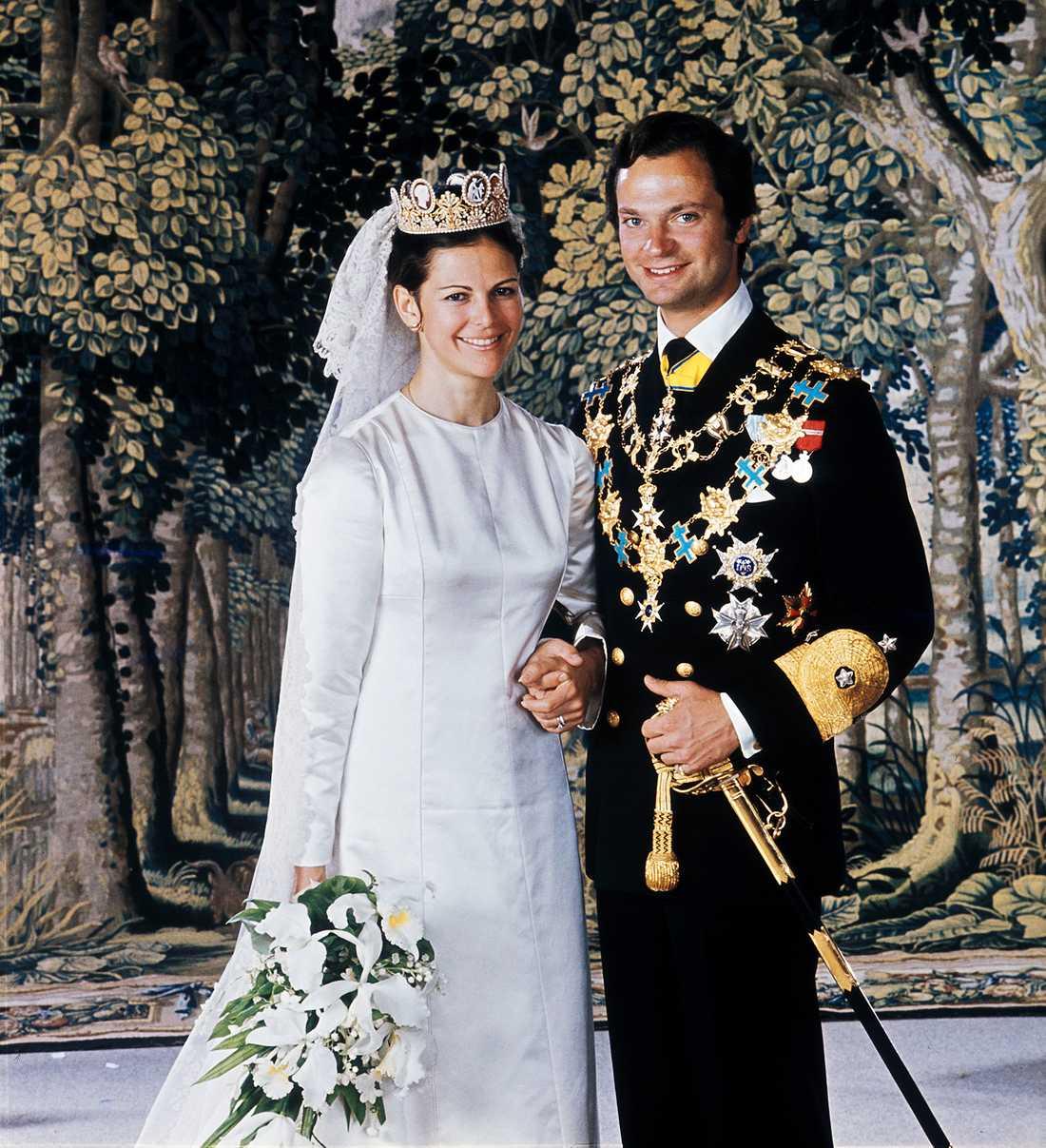 1976 fotograferade Lennart Nilsson den officiella bröllopsbilden på det svenska kungaparet drottning Silvia och kung Carl XVI Gustaf.