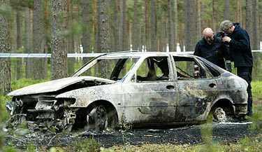 totalt utbränd Bilen som tillhörde 21-åringens föräldrar hittades helt utbränd.