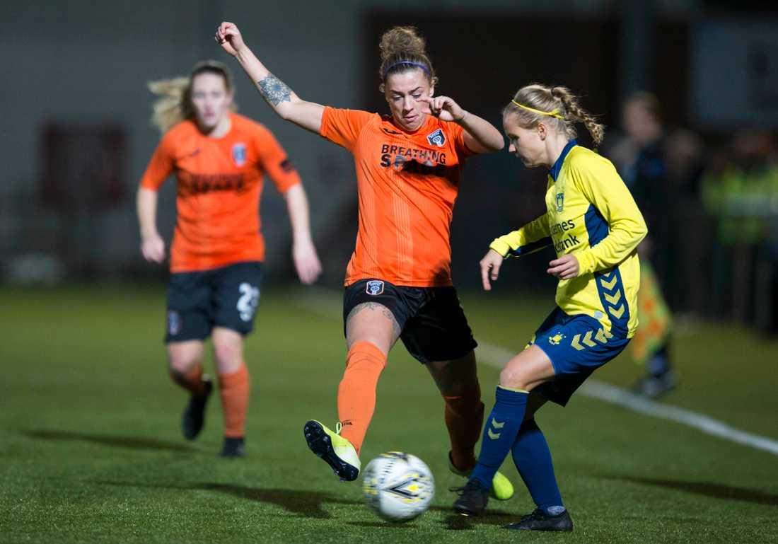 Glasgow, i orange, besegrade Brøndby efter straffläggning i torsdagens returmatch på hemmaplan i Champions Leagues åttondelsfinal.