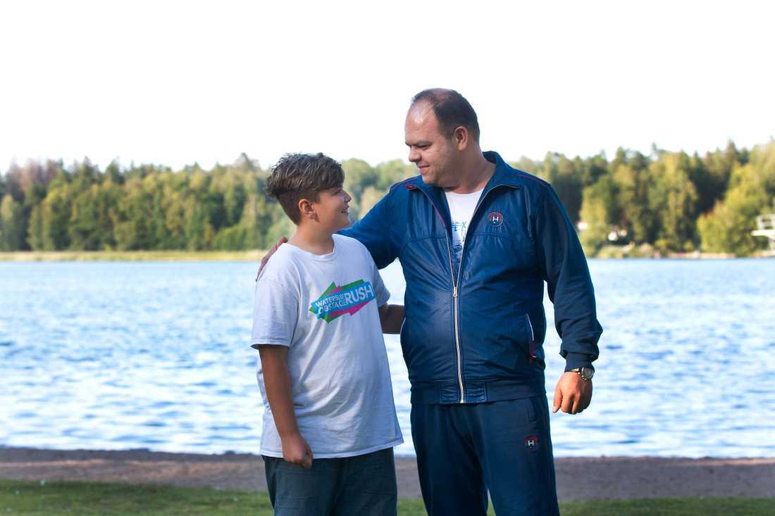 Kevin Sattari, 11, och vännen Abolfazl Milani.