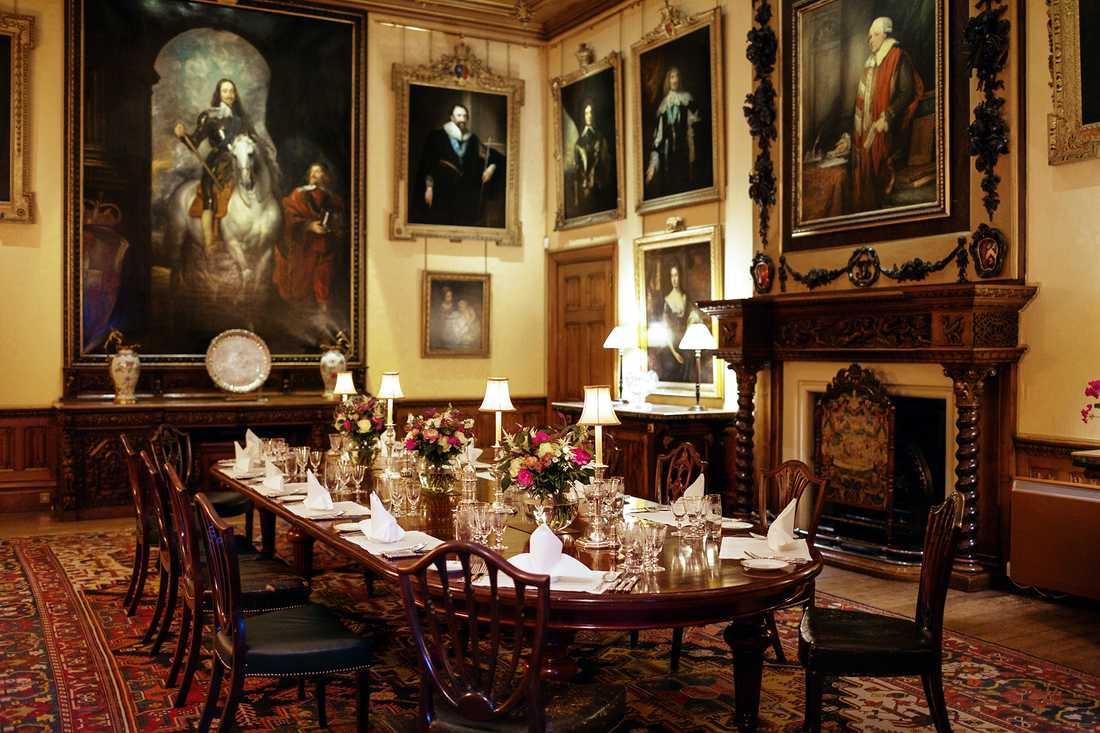 Middag i matsalen ingår i bokningen av slottet.