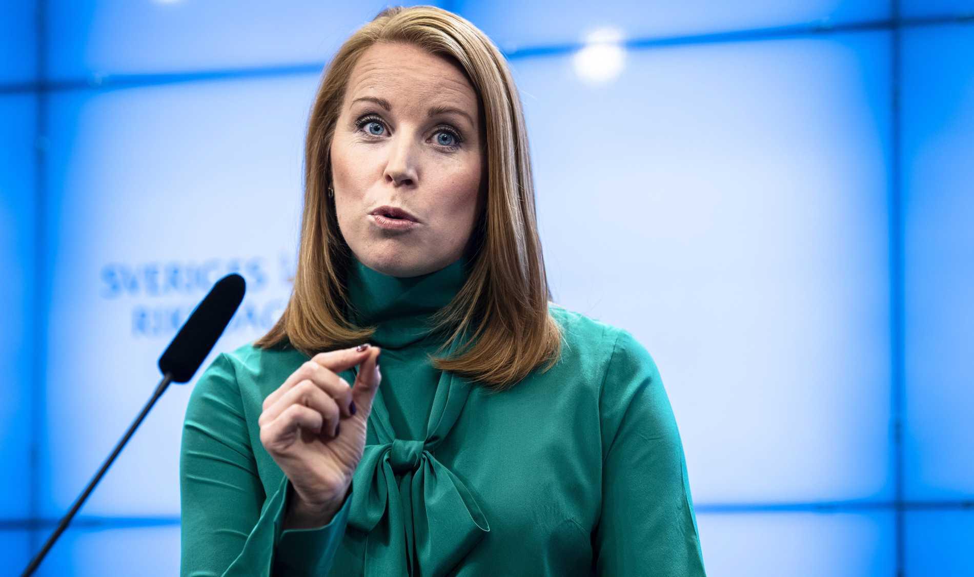 Trots att marknadsskolan löpt amok fortsätter Annie Lööf tillsammans med de övriga högerpartierna att stå på skolföretagens sida.