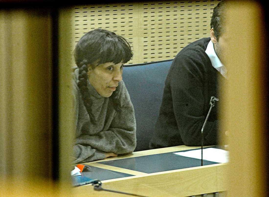 Leila K döms till fängelse för att ha hotat en man med kniv. Hon har tidigare dömts till skyddstillsyn och dagsböter för bland annat häleri, misshandel, olaga hot och stöld. Bilden är från ett tidigare tillfälle.