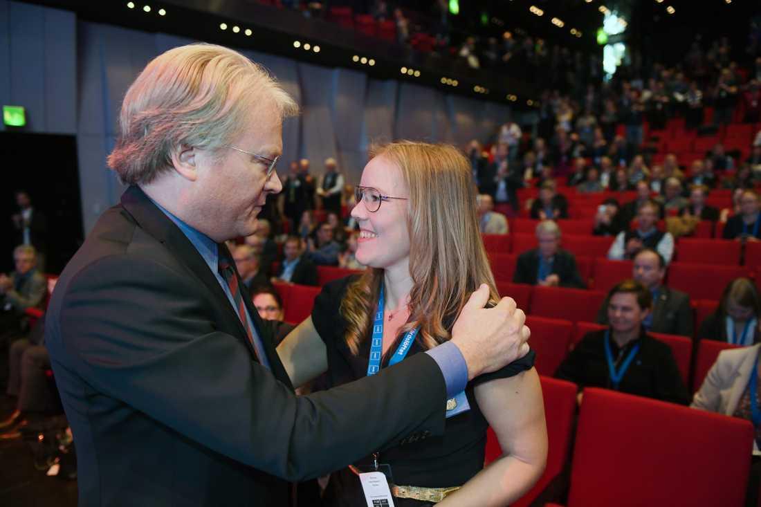 Lars Adaktusson petade Emma Henriksson från platsen som andre vice ordförande.