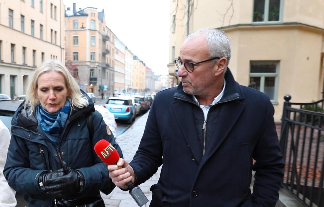 Förbundsdirektören Vibeke Hammarström ville inte svara på Aftonbladets frågor utanför förbundets lokaler. Senare ställde hon upp på en telefonintervju, men ville inte redovisa några exakta kostnader.