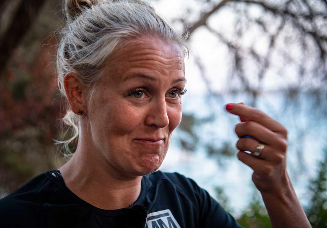 """""""Jag har överträffat många rädslor idag."""" Josefine Öqvist berättar om sin höjdskräck och paniken hon fick i vattnet efter att tävlingen genomförts."""