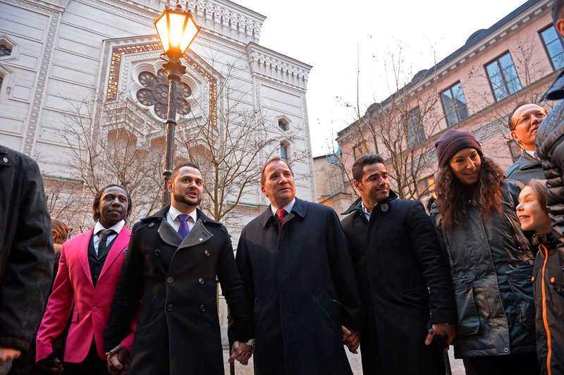 Stefan Löfven på manifestationen vid synagogan i Stockholm efter terrordåden i Köpenhamn. Foto: per-olof sännås