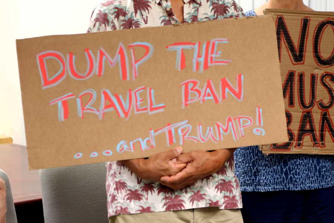 Kritiker mot inreseförbudet demonstrerar på Hawaii. Arkivbild.