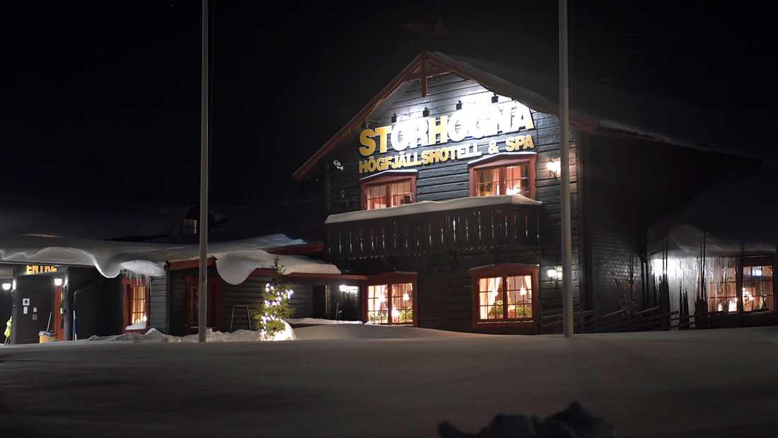 Efter vigseln fortsatte festligheterna på Storhogna högfjällshotell.