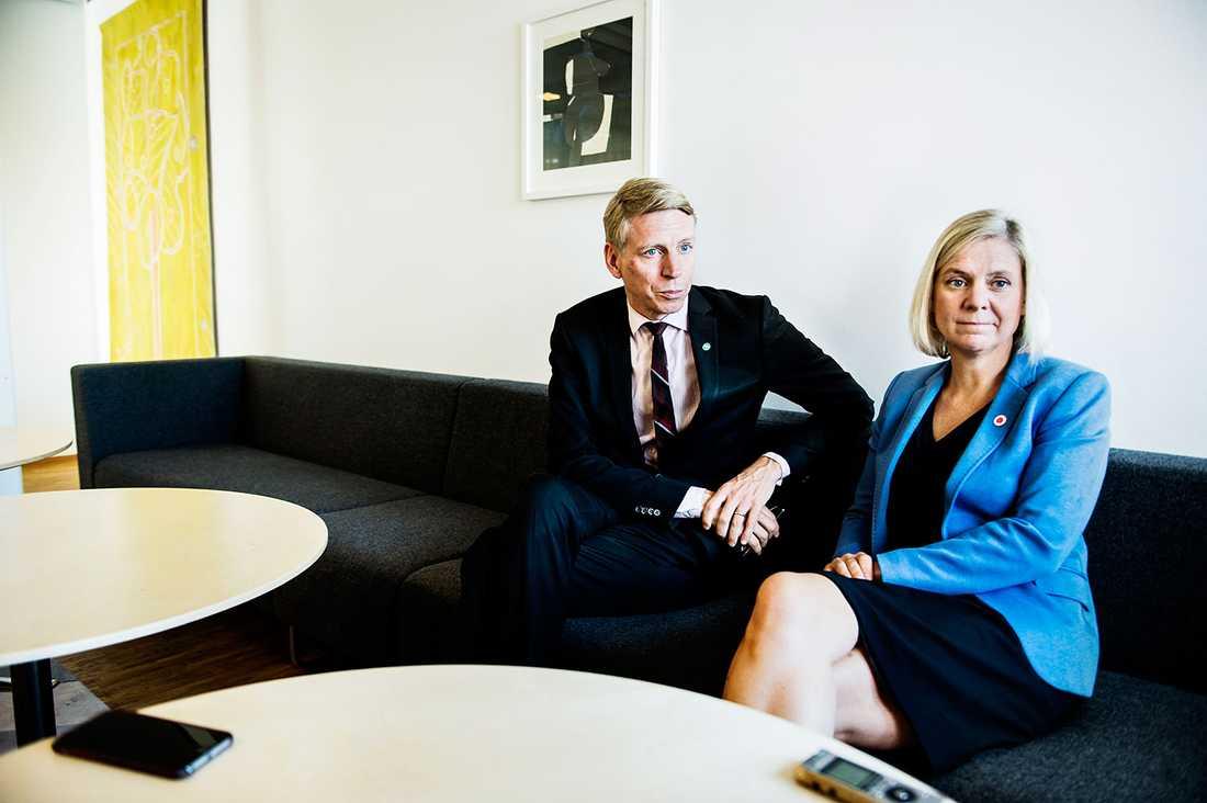 Finansmarknadsminister Per Bolund och finansminister Magdalena Andersson.