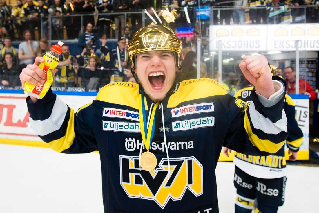 Lias Andersson efter SM-guldet med HV71 2017.