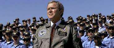 VILKEN KURS VÄLJER HAN? Alla besked USA:s president George W Bush ger om Irakkrisen påverkar omvärlden - ända ner till kurserna på vår egen börs. Vi har låtit fem experter ge sin analys av hur börsens tio populäraste aktier utvecklas.