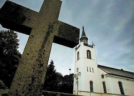 Synagoga, moské och kyrka. Zachary Karabell har skrivit om samlevnad mellan judar, muslimer och kristna.
