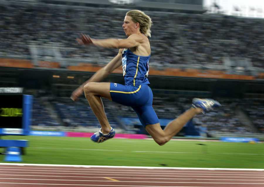 OS I ATEN 2004 Karriärens höjdpunkt, OS-guldet i Aten. Christian Olsson hoppade 17,79 i finalen – personligt rekord utomhus.
