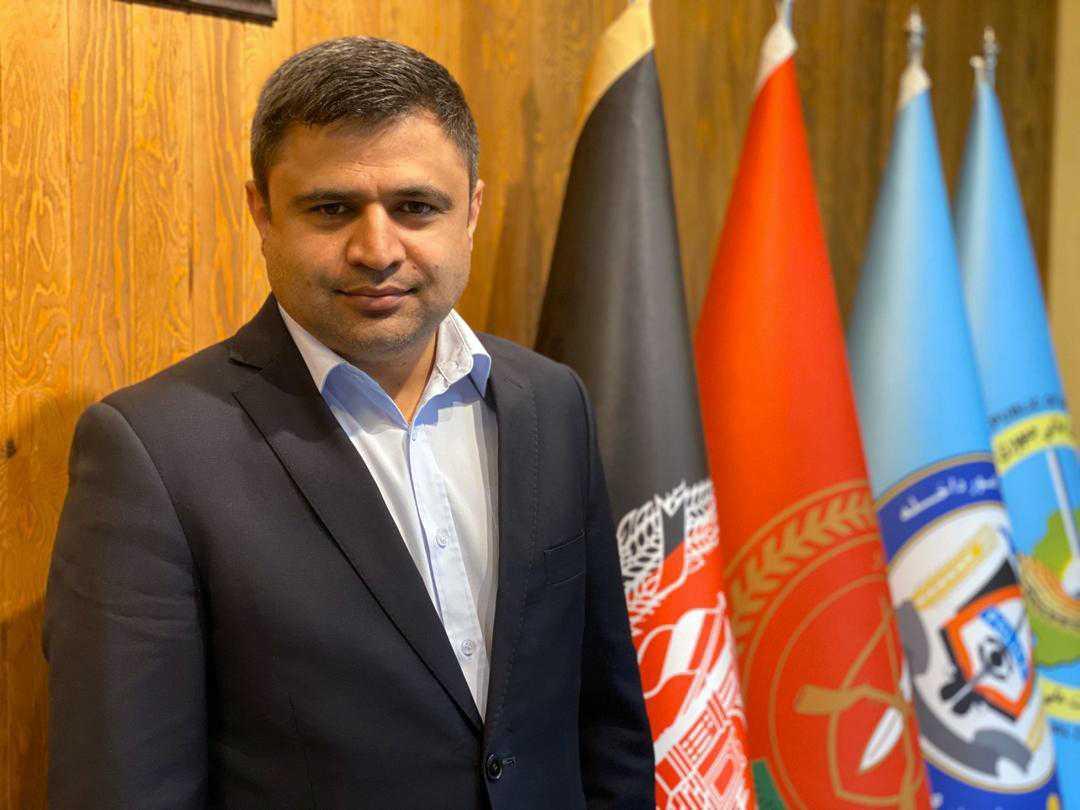 Fazel Fazly sitter i regeringsställning i Afghanistan – samtidigt som han är folkbokförd i Sverige. Nu har 43-åringen blivit föremål för både svenska UD och Skatteverket.
