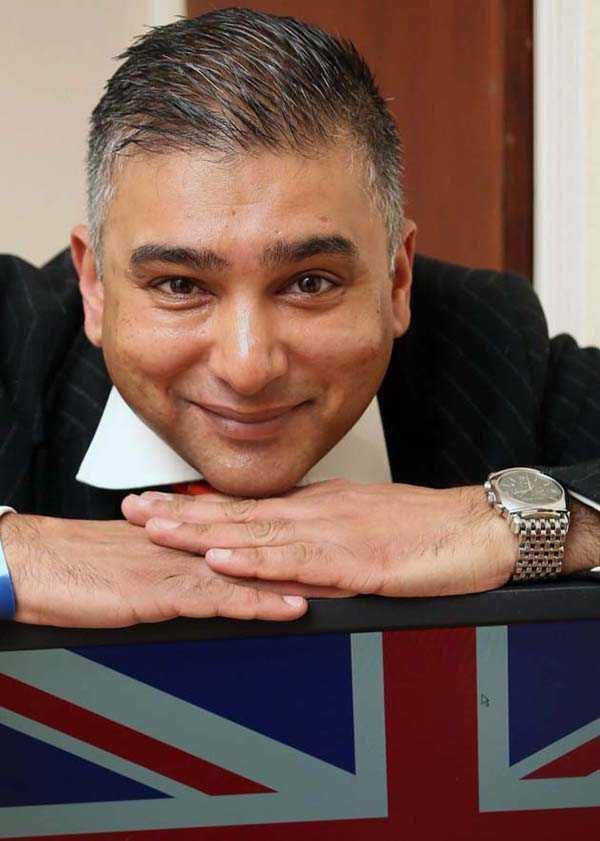 Sarinder Joshua Duroch arbetar för det brittiska partiet Ukip i EU-parlamentet.