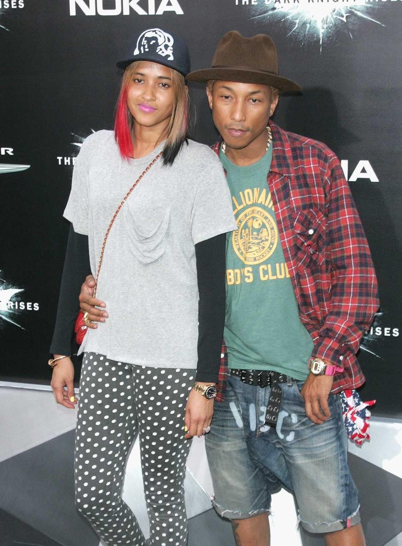 Pharrell Williams med sällskap.
